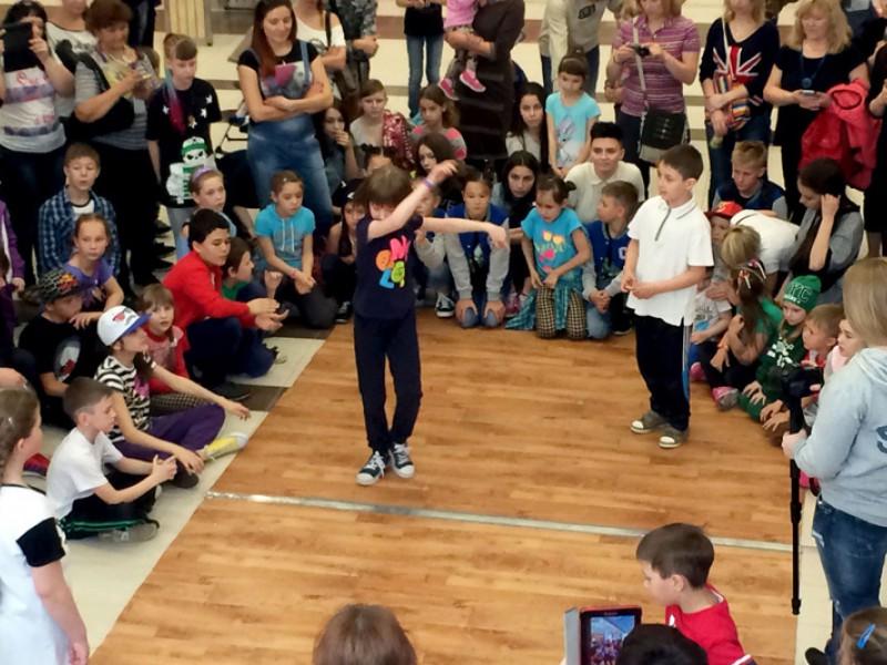 Фотоотчет с дня детского танца в ТЦ «Аркада»