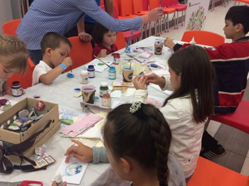 творческие занятия от художественной студии «Палитра детям».